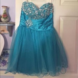 Cute, sparkly turquoise prom/semi formal dress